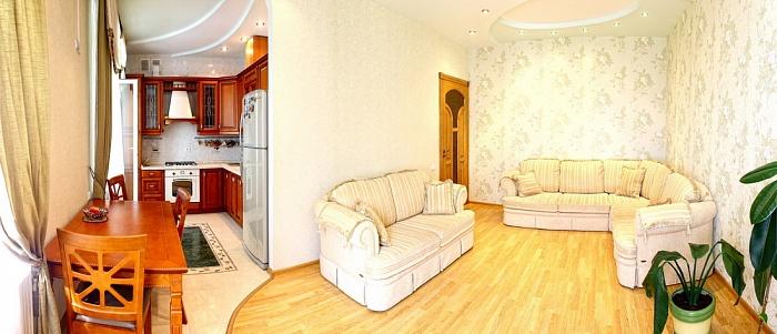 3-комнатная квартира посуточно в Севастополе. Гагаринский район, пр-т Античный, 9. Фото 1
