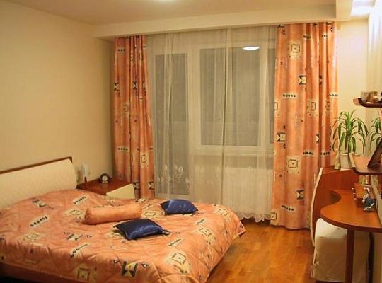 1-комнатная квартира посуточно в Мариуполе. пр-т Ленина, 82. Фото 1