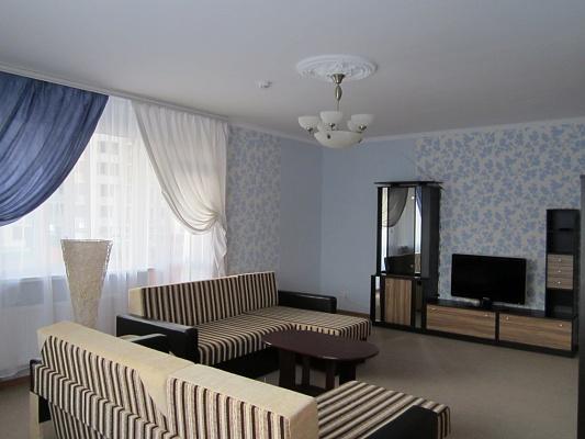 3-комнатная квартира посуточно в Киеве. Голосеевский район, ул.Ломоносова, 73-г. Фото 1