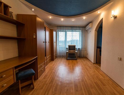 1-комнатная квартира посуточно в Донецке. Калининский район, пр-т Ильича, 54. Фото 1