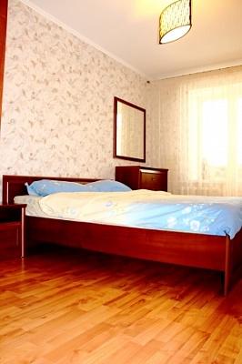2-комнатная квартира посуточно в Виннице. Ленинский район, ул. Феликса Конна, 38. Фото 1