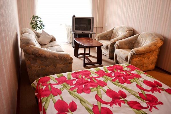 1-комнатная квартира посуточно в Луцке. пр-т Воли, 11. Фото 1