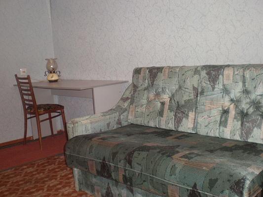 2-комнатная квартира посуточно в Энергодаре. пр-т Энергетиков. Фото 1