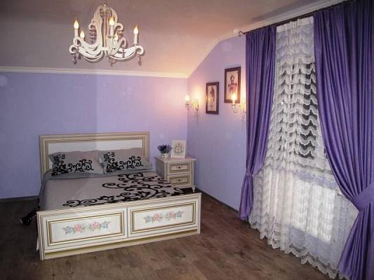 Дом  посуточно в Василькове. с. Кодаки ул. Гоголя, 3. Фото 1
