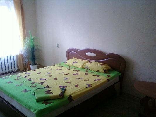 1-комнатная квартира посуточно в Симферополе. Киевский район, ул. Киевская, 159. Фото 1