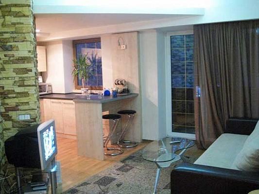 2-комнатная квартира посуточно в Киеве. Печерский район, ул. Мечникова, 7. Фото 1