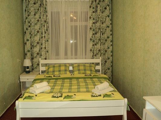 2-комнатная квартира посуточно в Белой Церкви. ул. Водопойная, 9а. Фото 1