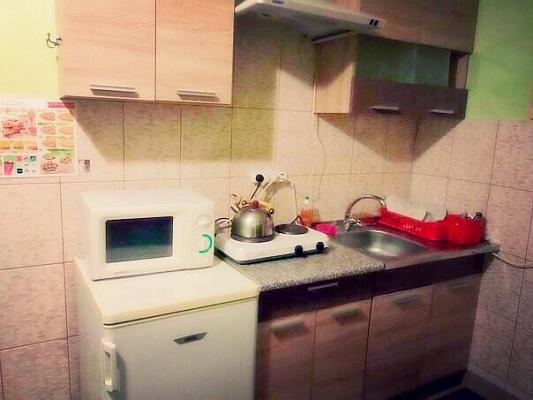 4-комнатная квартира посуточно в Ивано-Франковске. ул. Железнодорожная, 49. Фото 1