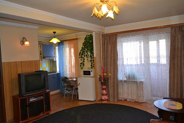 1-комнатная квартира посуточно в Донецке. Ворошиловский район, б-р Шевченко, 8а. Фото 1