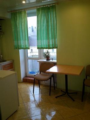 1-комнатная квартира посуточно в Феодосии. ул. Федька, 1а. Фото 1