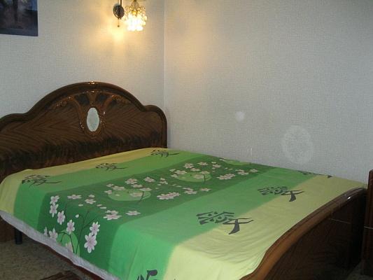 1-комнатная квартира посуточно в Ильичёвске. ул. Парковая, 12. Фото 1