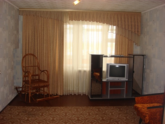 1-комнатная квартира посуточно в Кременчуге. ул. Октябрьская, 11. Фото 1