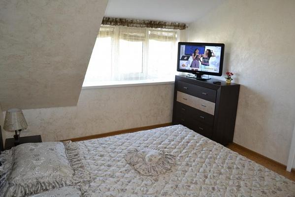 1-комнатная квартира посуточно в Одессе. Приморский район, Вице Адмирала Жукова пер., 25. Фото 1