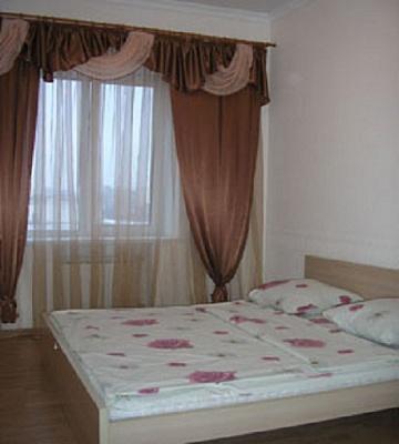 1-комнатная квартира посуточно в Белой Церкви. ул. Водопойная, 25. Фото 1