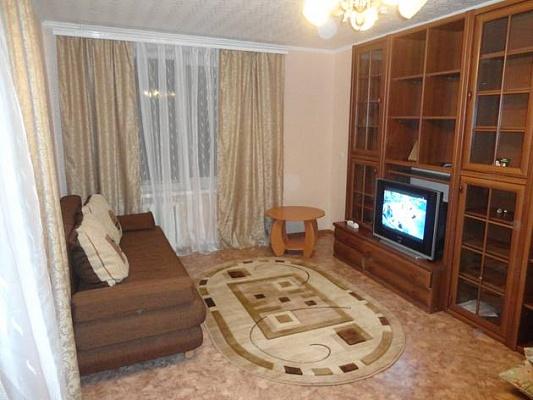 1-комнатная квартира посуточно в Северодонецке. ул. Курчатова, 16. Фото 1