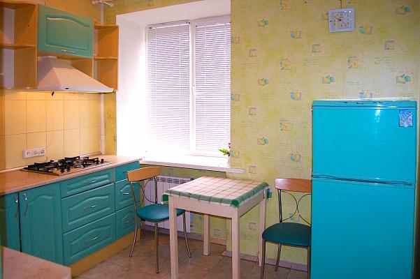 2-комнатная квартира посуточно в Харькове. Киевский район, ул. Дарвина, 19. Фото 1