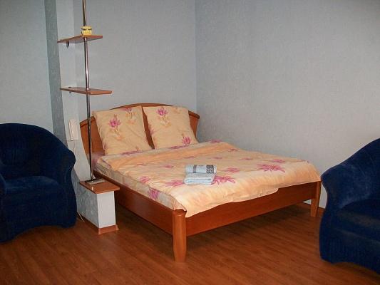 1-комнатная квартира посуточно в Черкассах. ул. Благовестная, 210. Фото 1