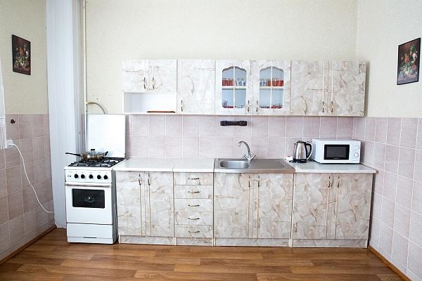 2-комнатная квартира посуточно в Черновцах. Первомайский район, ул. Кишиневская, 41. Фото 1