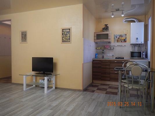 1-комнатная квартира посуточно в Кировограде. Ленинский район, ул. Гоголя, 101. Фото 1