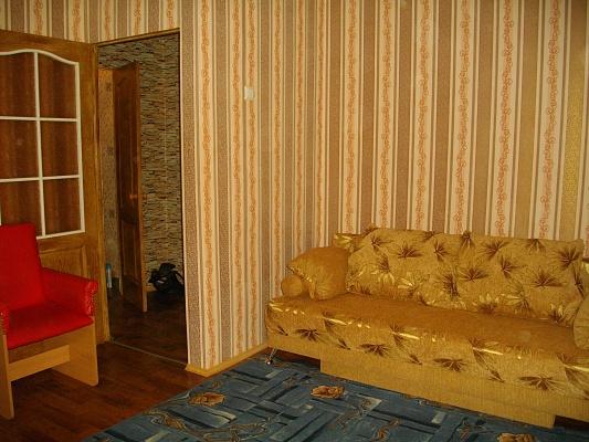 1-комнатная квартира посуточно в Нежине. ул. Ген. Корчагина, 3. Фото 1