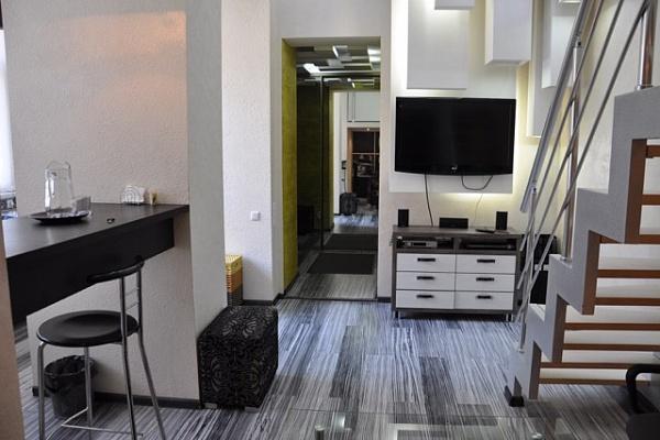 1-комнатная квартира посуточно в Одессе. Приморский район, ул. Гоголя, 5. Фото 1