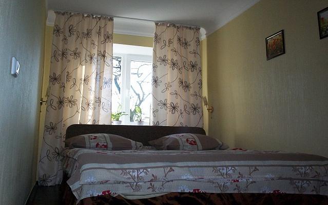 2-комнатная квартира посуточно в Киеве. Шевченковский район, ул. Телиги, 35. Фото 1