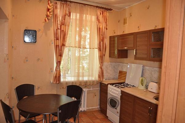 2-комнатная квартира посуточно в Одессе. Приморский район, б-р Французский , 12. Фото 1