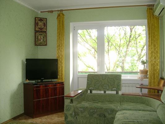 2-комнатная квартира посуточно в Евпатории. Фрунзе, 44. Фото 1