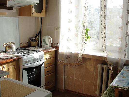 2-комнатная квартира посуточно в Северодонецке. пр-т Советский, 61. Фото 1