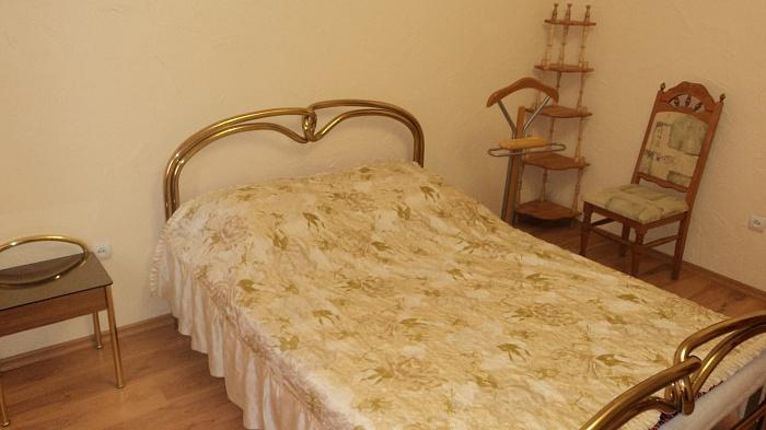 2-комнатная квартира посуточно в Ужгороде. ул. Тельмана, 1А. Фото 1