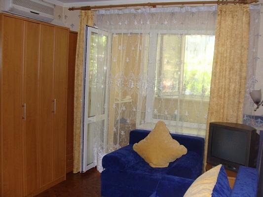 1-комнатная квартира посуточно в Одессе. Приморский район, ул. Канатная, 95. Фото 1