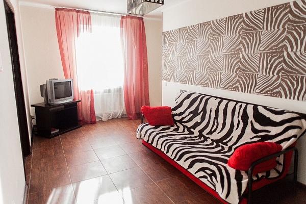 3-комнатная квартира посуточно в Хмельницком. ул. Заречанская, 52. Фото 1
