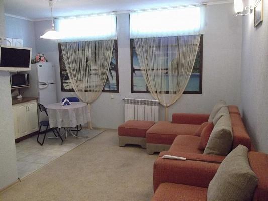 2-комнатная квартира посуточно в Феодосии. б-р Коробкова, 14А. Фото 1