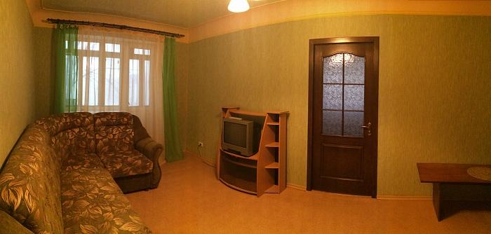 2-комнатная квартира посуточно в Донецке. Киевский район, пр-т. Освобождение Донбасса, 10. Фото 1