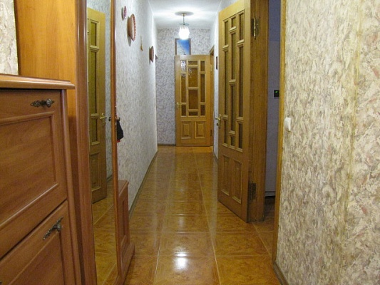 2-комнатная квартира посуточно в Киеве. Печерский район, б.Леси Украинки. Фото 1