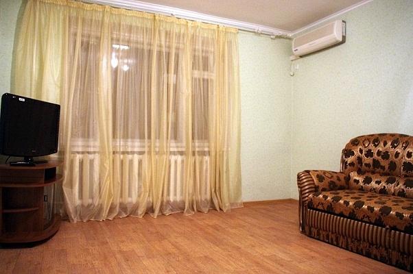 2-комнатная квартира посуточно в Донецке. Киевский район, Богдана Хмельницкого, 69. Фото 1