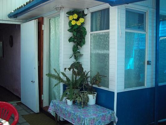 Дом  посуточно в Бердянске. Герцена0. Фото 1