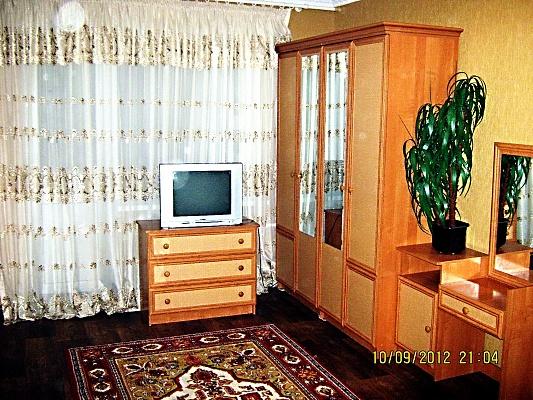 1-комнатная квартира посуточно в Сумах. Заречный район, ул. Воскресенская, 1-6. Фото 1