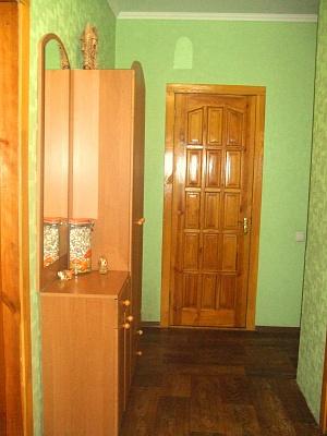 2-комнатная квартира посуточно в Запорожье. Жовтневый район, ул. Гоголя, 149. Фото 1