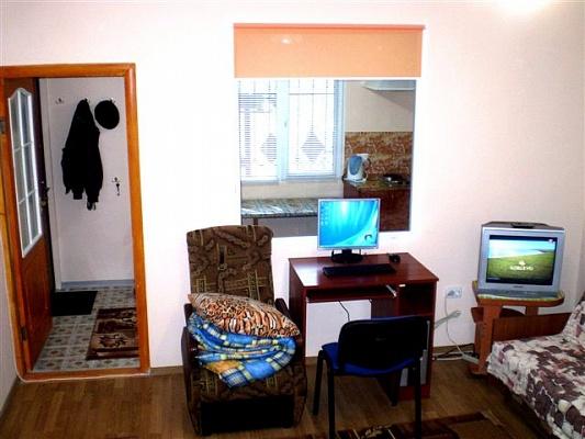 1-комнатная квартира посуточно в Николаеве. Центральный район, ул. Чкалова, 82 А. Фото 1