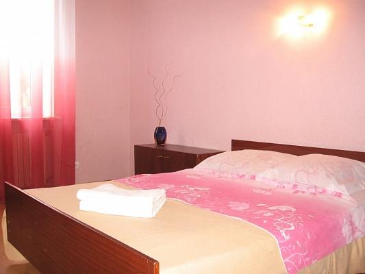 2-комнатная квартира посуточно в Одессе. Приморский район, ул. Щепкина, 15. Фото 1
