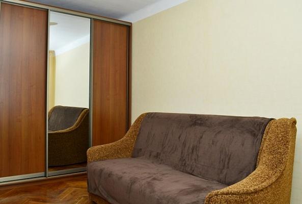 1-комнатная квартира посуточно в Киеве. Деснянский район, ул. Братиславская, 4. Фото 1
