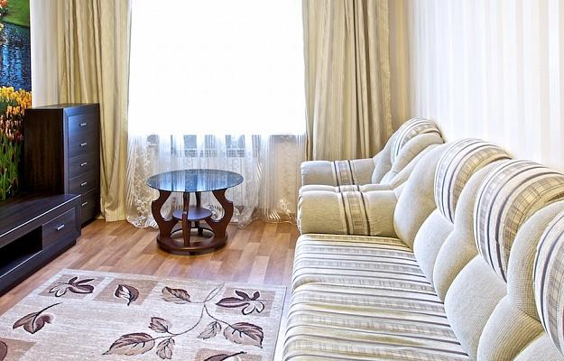 2-комнатная квартира посуточно в Харькове. Дзержинский район, ул. Динамовская, 2. Фото 1