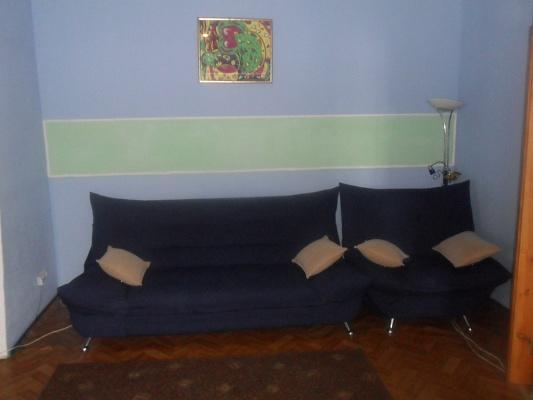 2-комнатная квартира посуточно в Сумах. Заречный район, пер. 4 мая, 9-го. Фото 1