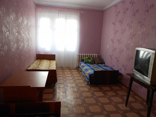 2-комнатная квартира посуточно в Севастополе. Нахимовский район, ул. Леваневского, 12. Фото 1