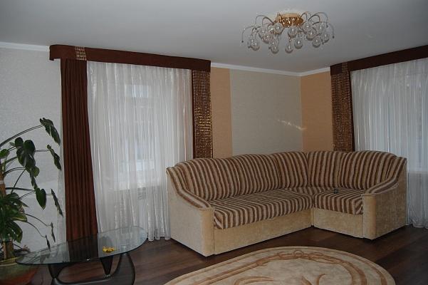 1-комнатная квартира посуточно в Тернополе. ул. Тарнавского. Фото 1