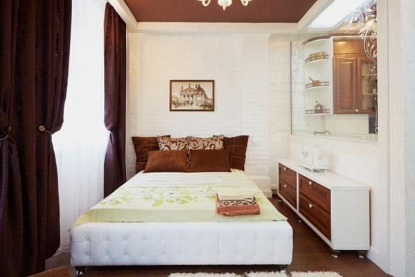 1-комнатная квартира посуточно в Львове. Галицкий район, пл. Рынок, 40. Фото 1