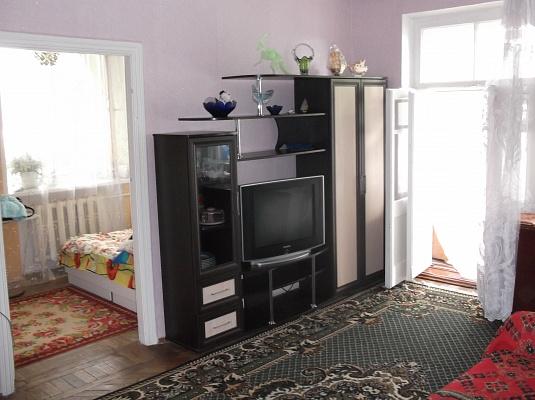 2-комнатная квартира посуточно в Керчи. ул. 23 Мая, 148. Фото 1