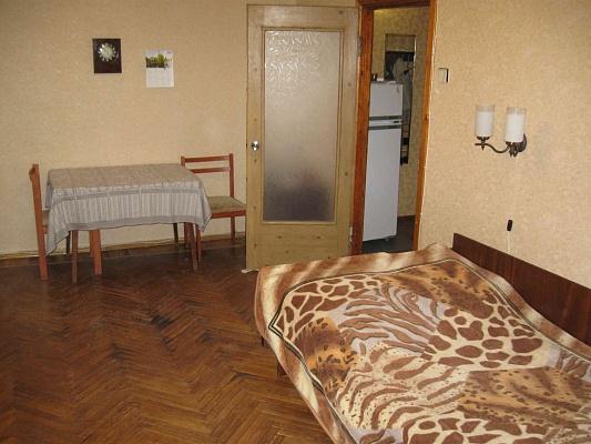 1-комнатная квартира посуточно в Харькове. Дзержинский район, Деревянко ул., 1. Фото 1