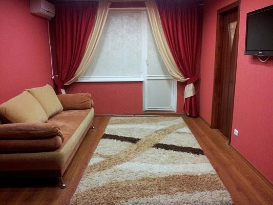 3-комнатная квартира посуточно в Сумах. Заречный район, ул. Сумско-киевских дивизий, 18. Фото 1